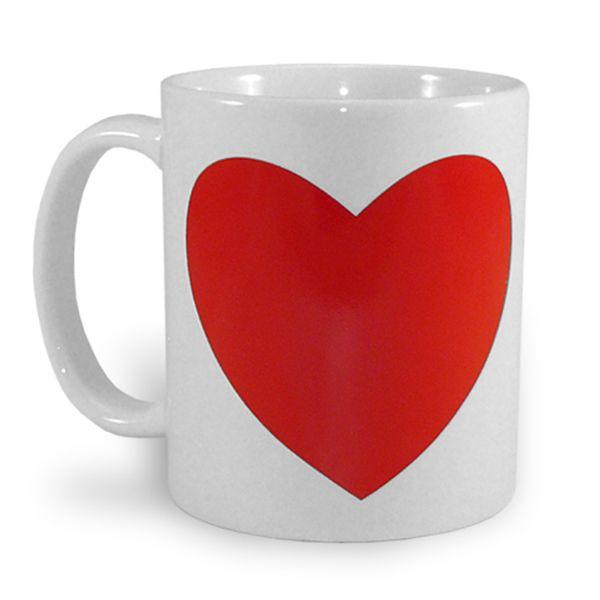 Бяла чаша с магическо сърце