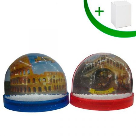 Water globe with magnet