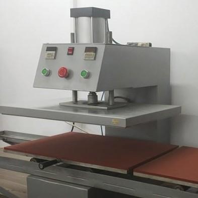 Пневматична термопреса с работен плот 40 x 60 см